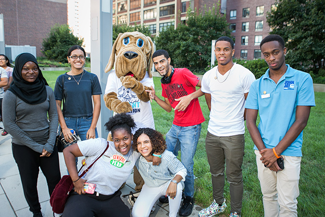 Students with the Bloodhound Mascot