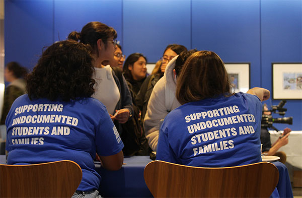 Students sign up to learn more about the Immigrant Student Success Center