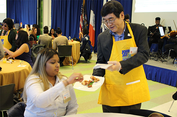 Leadership Serves Community Service Students Event