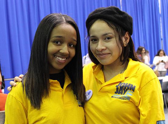 Caylee Diaz and Mirella Vasquez